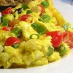 Scrambled eggs and vegetables
